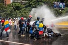 Gwałtowne protesty w stolicy Wenezueli. Doszło do starć z siłami bezpieczeństwa