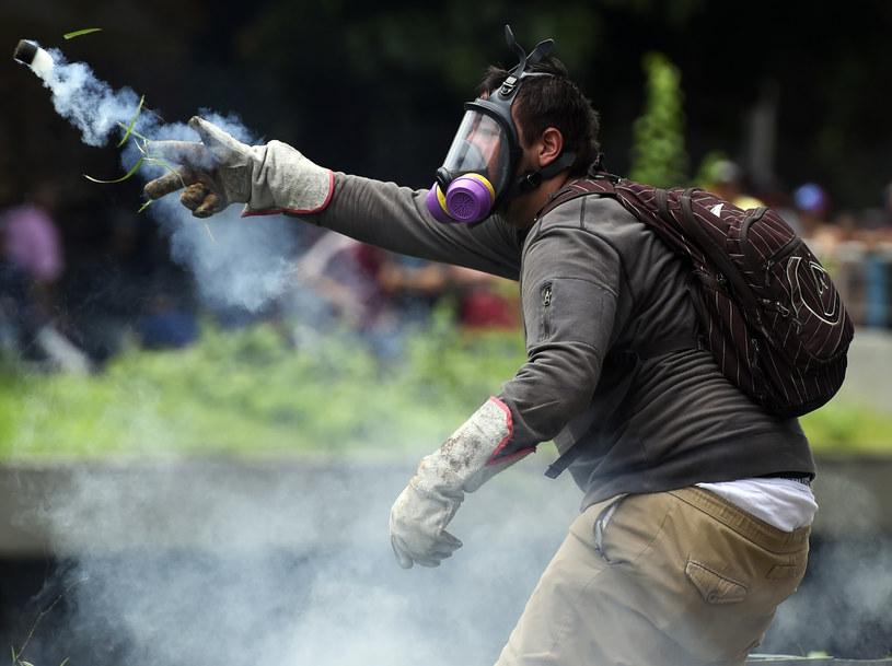 Gwałtowne starcia w Caracas /AFP