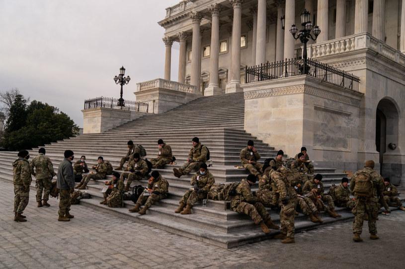 Gwardia Narodowa na śniadaniu przed Kapitolem /Kent Nishimura / Los Angeles Times /Getty Images