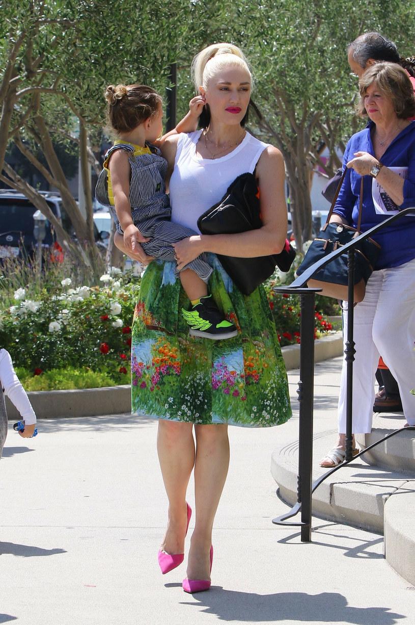 Gwen Stefani w drodze do kościoła /Splash News /East News