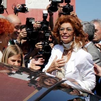 Gwiazda 72-letniej Sophii Loren nie przestaje świecić /AFP