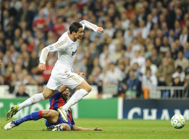 Gwiazda Realu Madryt Cristiano Ronaldo w ataku na bramkę CSKA Moskwa /AFP