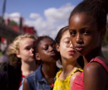 """""""Gwiazdeczki"""": Netflix przeprasza za nieodpowiedni plakat filmu"""