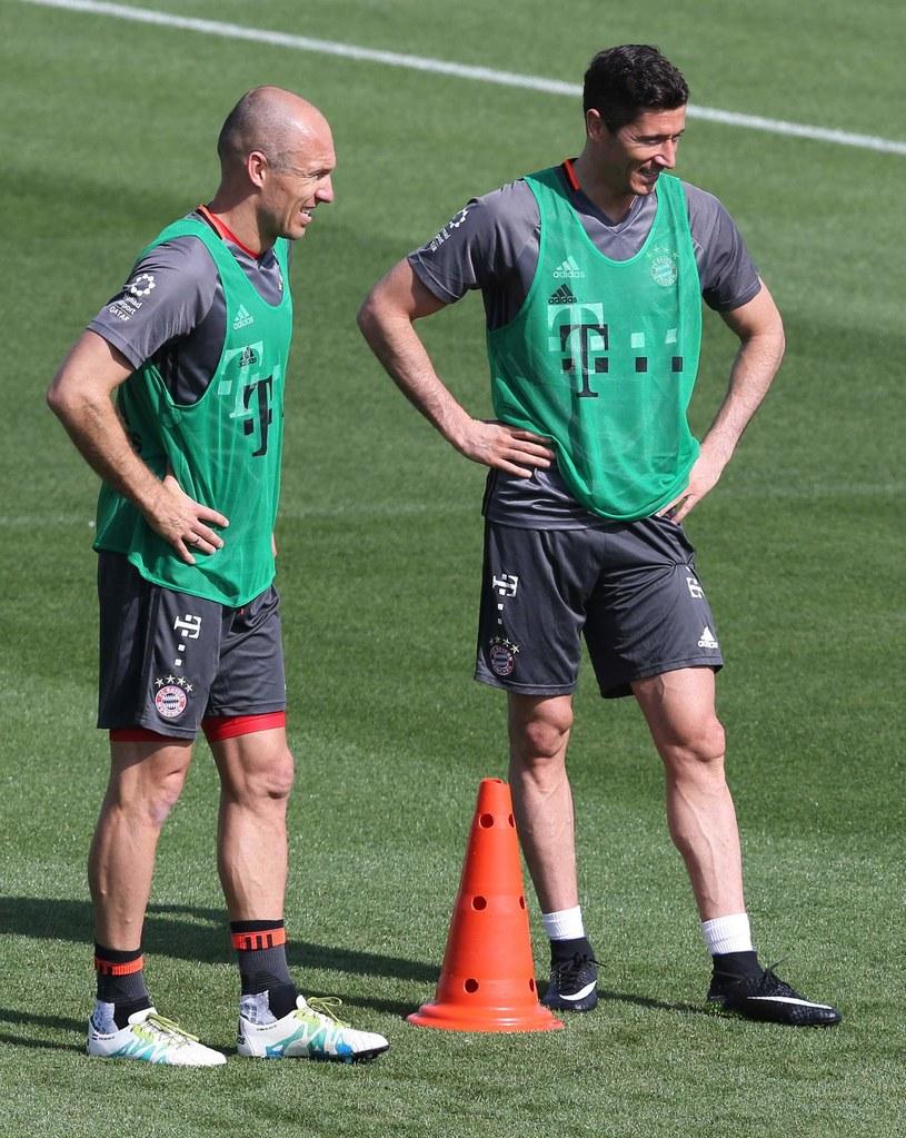 Gwiazdy Bayernu - Robert Lewandowski (z prawej) i Arjen Robben /AFP