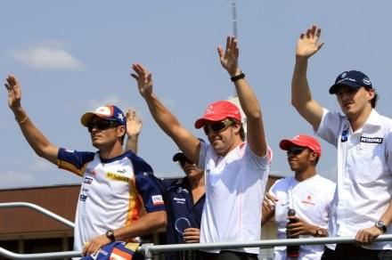 Gwiazdy Formuły 1 będą walczyć na torze pod Stambułem /AFP