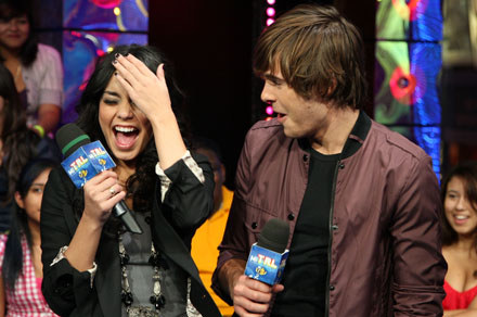 "Gwiazdy ""High School Musical"" Vanessa Hudgens i Zac Efron fot. Bryan Bedder /Getty Images/Flash Press Media"