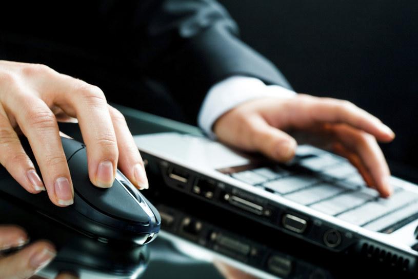 Hakerzy częściej atakują klientów niż banki /© Glowimages