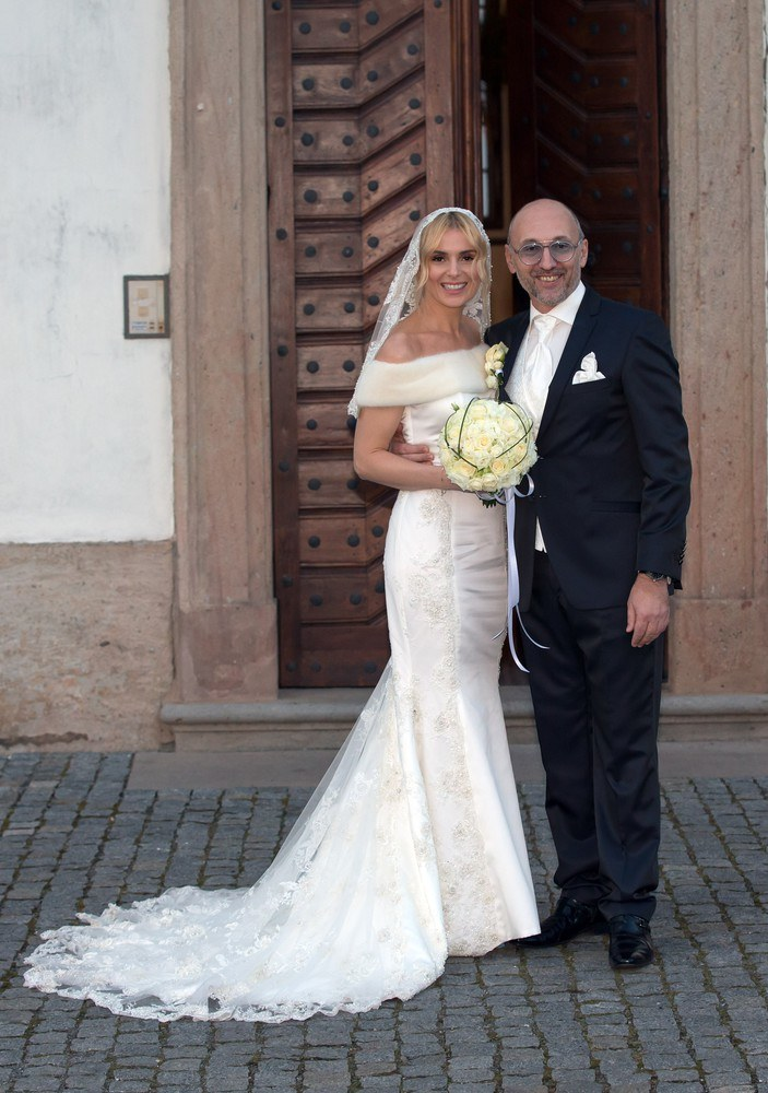 Halina Mlynkova i Leszek Wronka w dniu ślubu, 14 lutego /Tomasz Jagodziński /East News