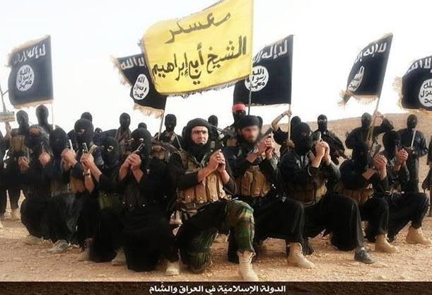 Hall wyjaśnia, dlaczego filozofia terroru Isis może być dla wielu przyciągająca... /materiały prasowe