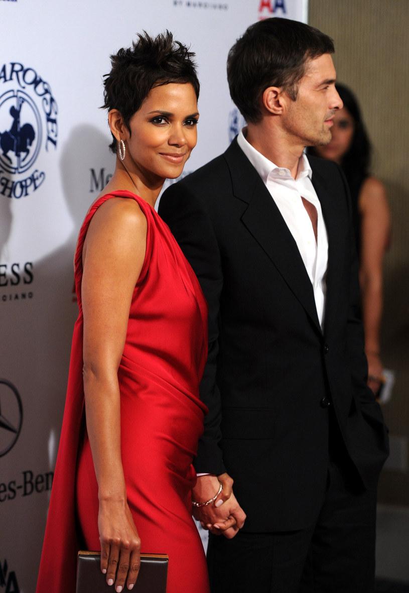 Halle Berry i Olivier Martinez /Frazer Harrison /Getty Images