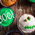 Halloweenowe czekoladowe muffinki ze śliwką kalifornijską