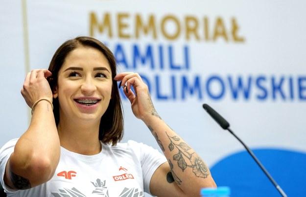 Halowa mistrzyni Europy na 60 metrów Ewa Swoboda podczas konferencji prasowej / Andrzej Grygiel    /PAP