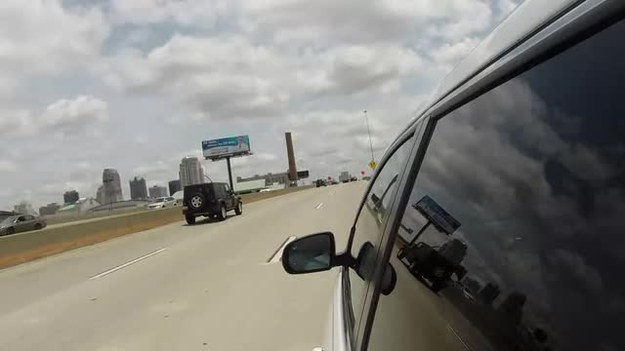 Hamerzy przez internet włamali się do jeepa!