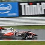 Hamilton ukarany za wymianę skrzyni biegów
