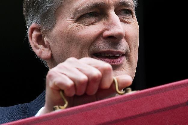 Hammond zdecydował o podniesieniu składek na ubezpieczenie zdrowotne /AFP