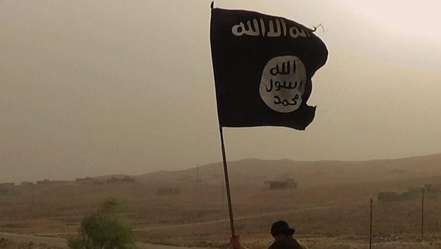 """""""Nie wiedział, jak złe będzie jego życie"""". Rodzina chce sprowadzić dżihadystę do Wielkiej Brytanii"""