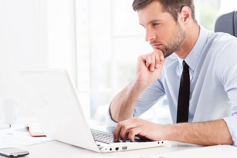 Handel przenosi się do e-zakupów /123RF/PICSEL