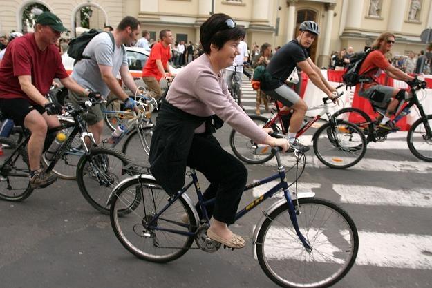 Hanna Gronkiewicz-Waltz na rowerze? Zbliżały się wybory... / Fot: Stefan Maszewski /Reporter