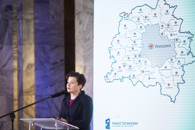 Hanna Gronkiewicz-Waltz na spotkaniu dot. zmian ustroju Warszawy /Maciej Stanik /Reporter