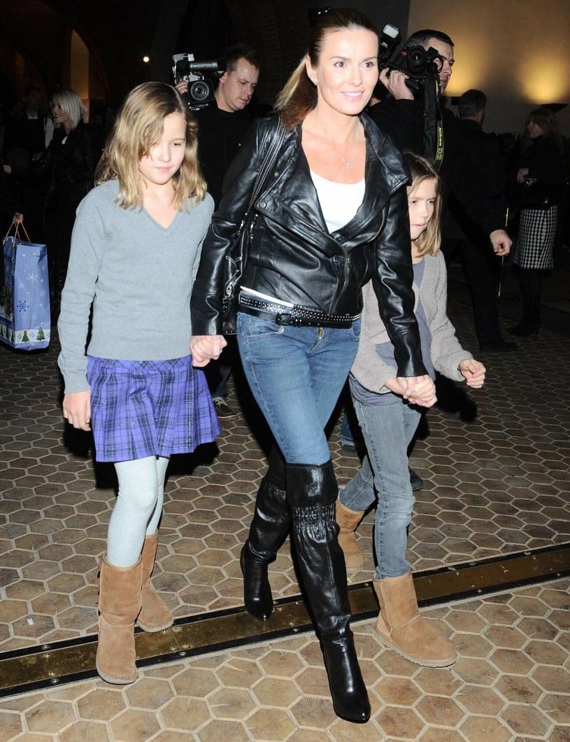 Hanna Lis z córkami: Julią i Anią - 2009 r. /Tricolors /East News