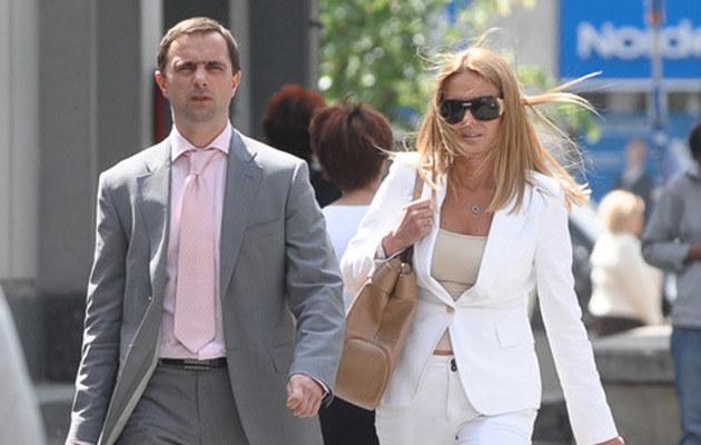 Hanna Lis ze swoim adwokatem w drodze do sądu /fot.Mateusz Jagielski  /Super Express