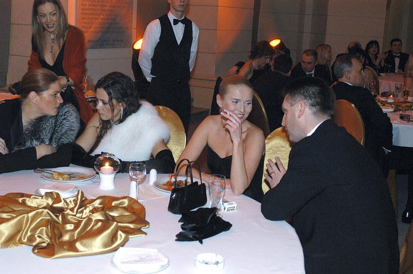 Hanna Smoktunowicz-Kedaj-Lis i Tomasz Lis na balu dziennikarzy w 2004 roku /Warda /AKPA