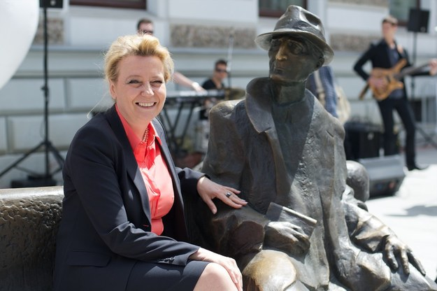 Hanna Zdanowska, prezydent Łodzi na ławeczce Tuwima /Łukasz Szeląg /Reporter