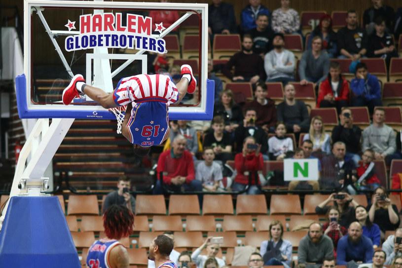 Harlem Globetrotters znani są z widowiskowej gry. Ich show przyciąga uwagę widzów z całego świata /Adrian Slazok/REPORTER /East News