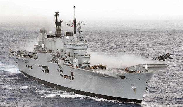 Harrier staruje z pokładu HMS Ark Royal /Discovery World