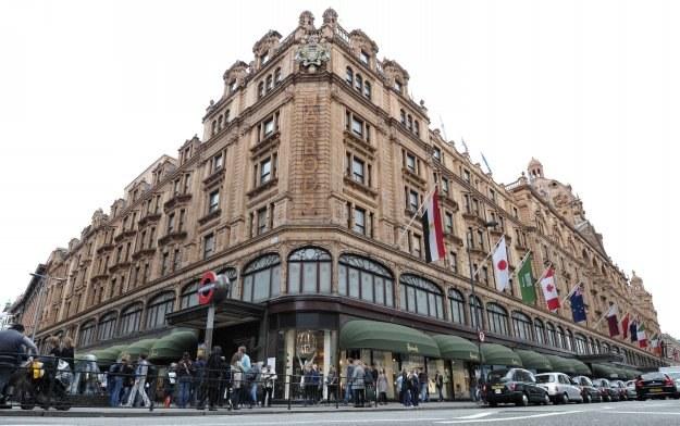 Harrods - luksusowy dom towarowy w londyńskiej dzielnicy Knightsbridge /AFP