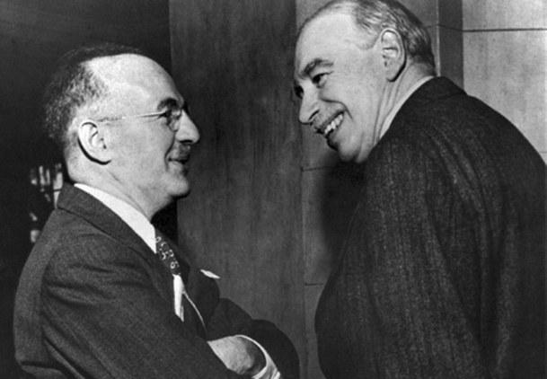 Harry Dexter White (po lewej stronie) /AFP