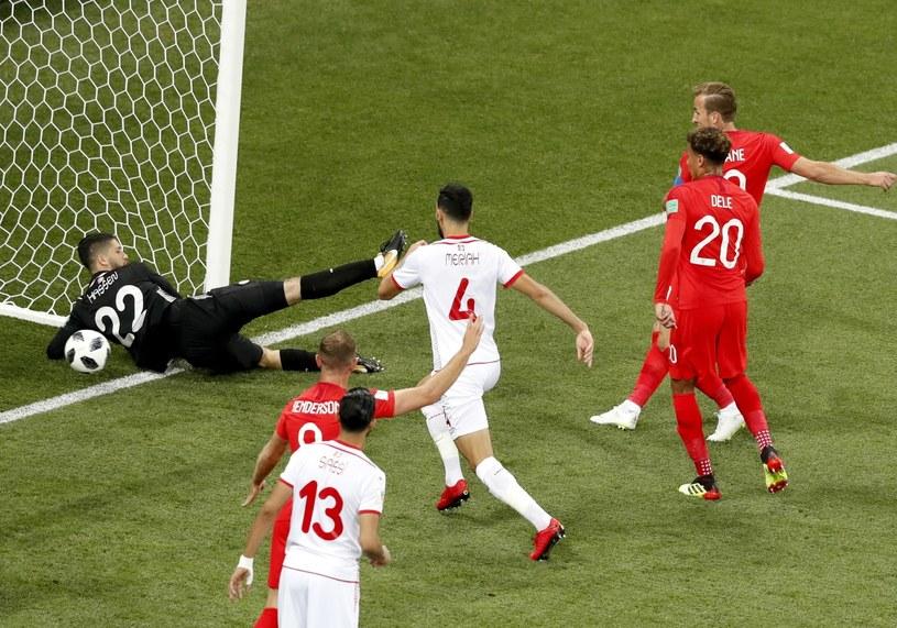 Harry Kane strzela gola dla Anglii /PAP/EPA