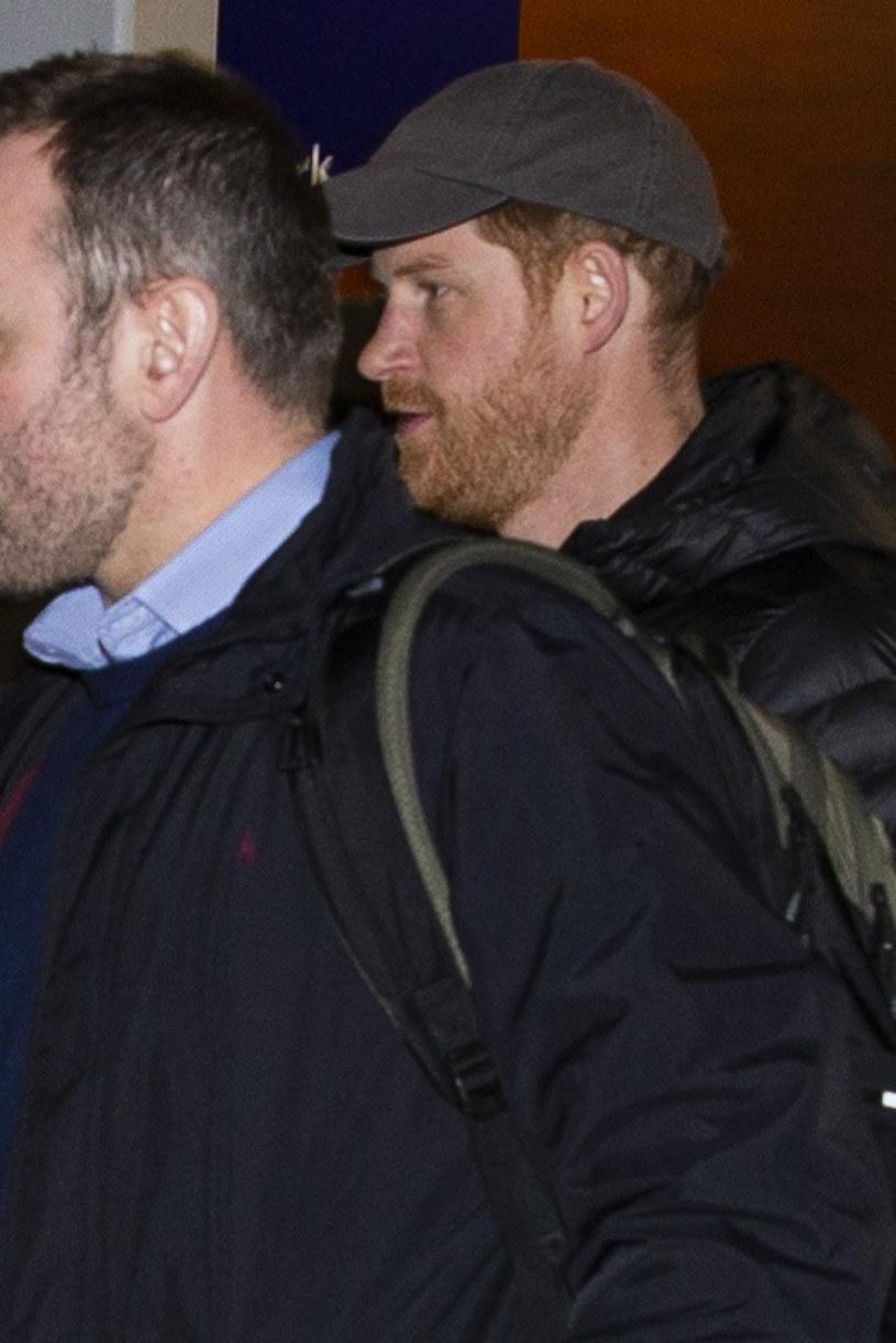Harry nie wydawał się specjalnie zadowolony z powrotu do kraju /Prince Harry World Righs /East News