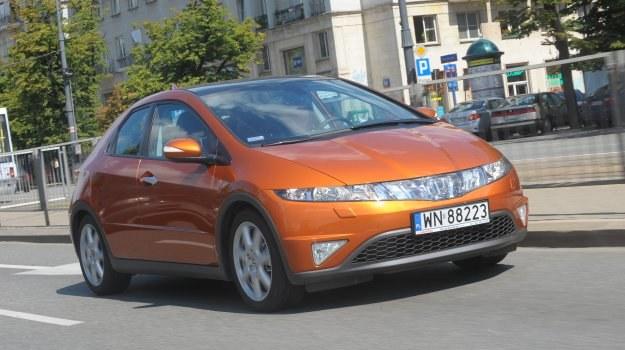 Hatchback 5-drzwiowy to najpopularniejsza odmiana nadwoziowa Civica VIII generacji. /Motor