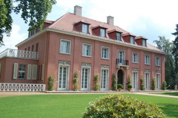 Haus Urbig - tu zamieszkał Churchill, później jego następca Attlee /Odkrywca
