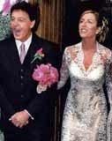 Heather Mills szczęśliwa w dniu ślubu z Paulem McCartney'em /INTERIA.PL
