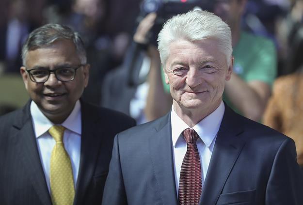 Heinrich Hiesinger (P), prezes Thyssenkrupp i Natarajan Chandrasekaran, prezes Tata Sons /EPA