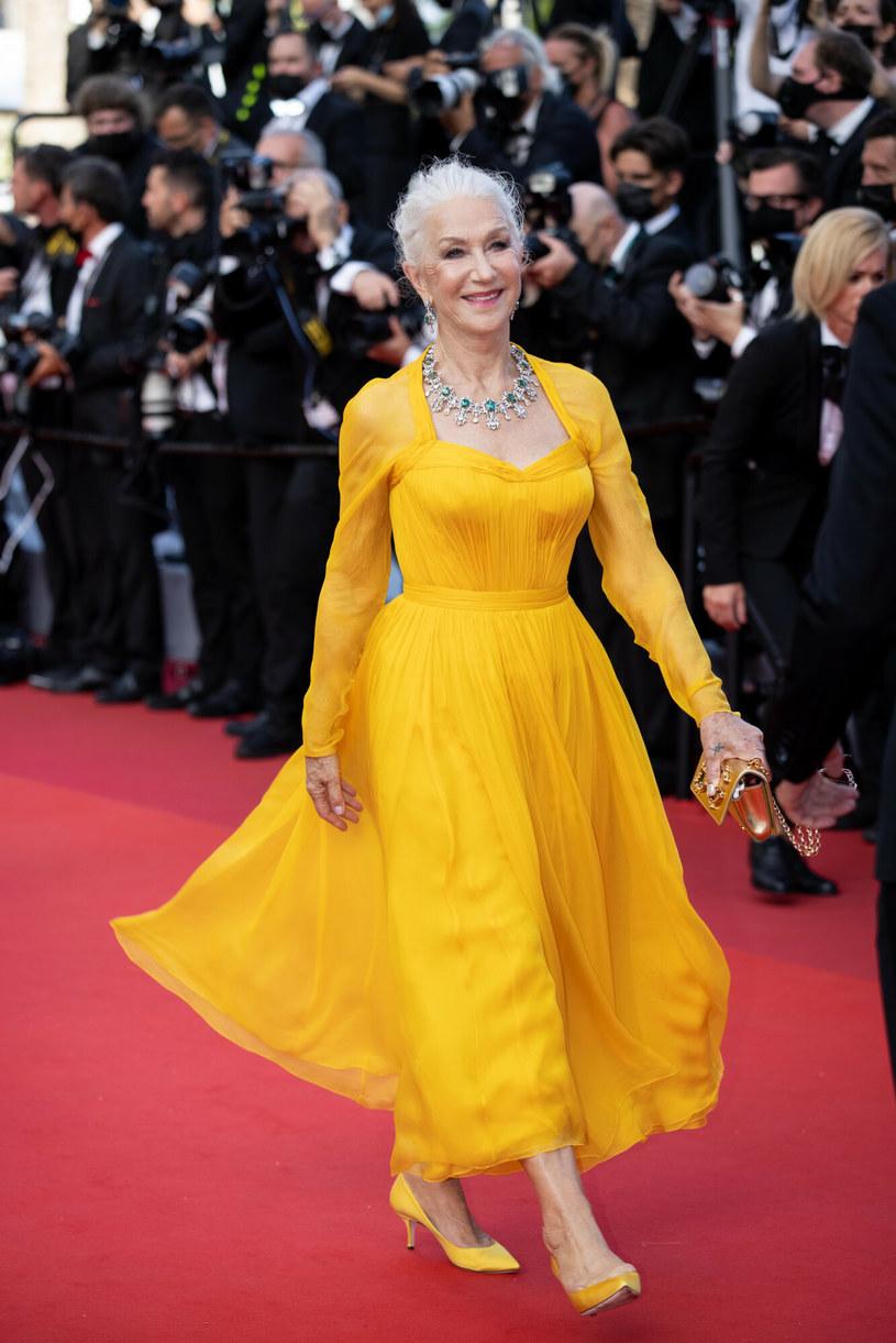 Helen Mirren w żółtej sukni na festiwalu w Cannes /SplashNews.com /East News