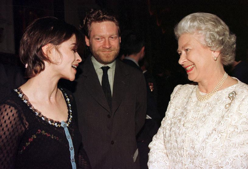 Helena Bonham Carter i Kenneth Branagh podczas spotkania z brytyjską królową /Fiona Hanson - PA Images/PA Images /Getty Images