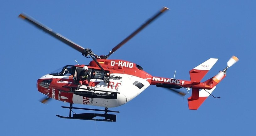 Helikopter zabrał trenera do szpitala /AFP
