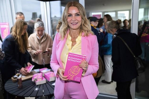 Helle Thorning-Schmidt prezentuje swoją książkę /MARTIN SYLVEST /PAP/EPA