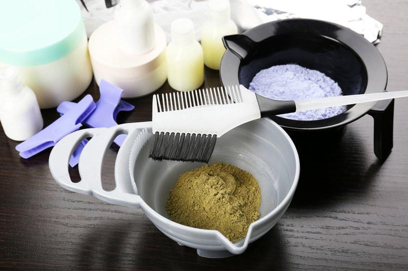Henna do farbowania włosów /©123RF/PICSEL