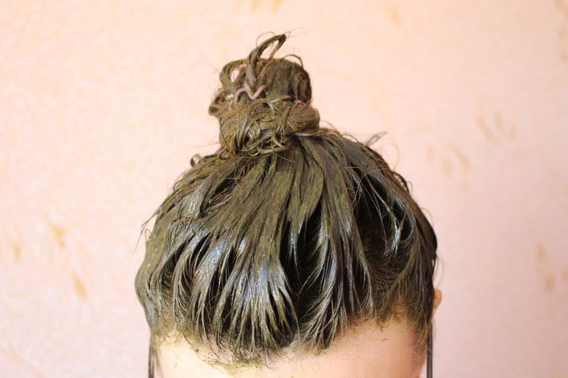 Henna na włosach /©123RF/PICSEL