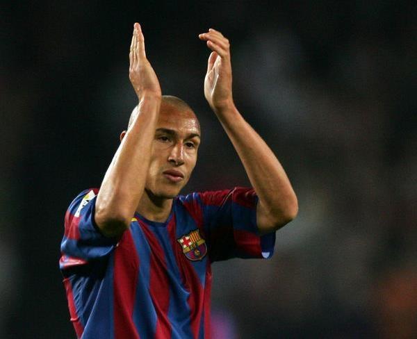 Henrik Larsson spędził w Barcelonie dwa lata /AFP