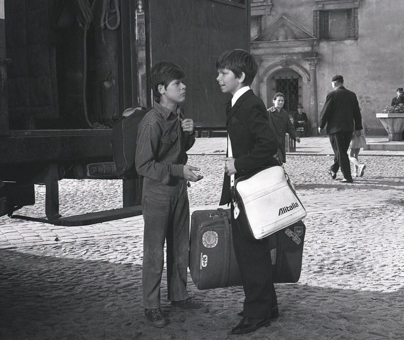 """Henryk Gołębiewski i Filip Łobodziński w serialu """"Podróż za jeden uśmiech"""" (1971) /East News/POLFILM"""