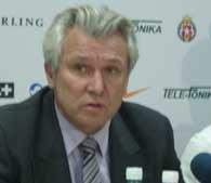 Henryk Kasperczak przedstawił plany transferowe /INTERIA.PL