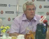 Henryk Kasperczak twierdzi, że zawsze chce wygrywać /INTERIA.PL
