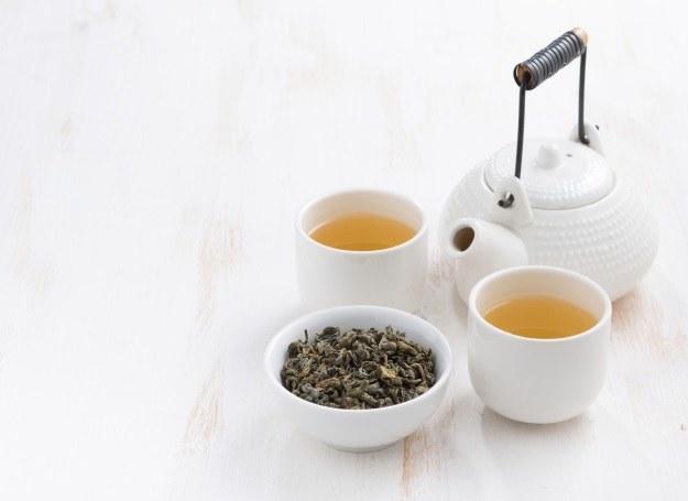 Herbata - aromatyczny napar posiadający wiele smaków i odmian /123RF/PICSEL