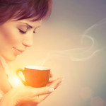 Herbata i kawa: Kiedy pomagają, kiedy szkodzą?