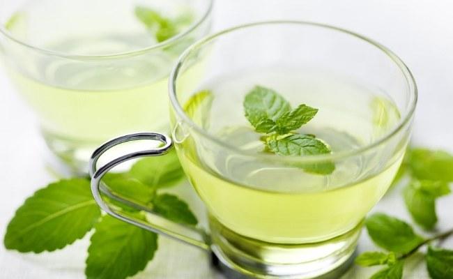 Herbata miętowa na upały /© Photogenica